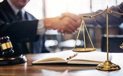 Copropriété: action en garantie contre l'assureur et une société de travaux en liquidation